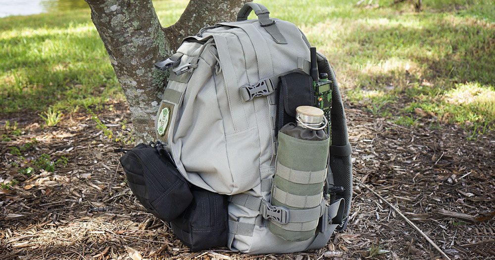 Paratus 3-Day Operators Pack with radio and water bottle
